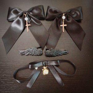 堕天使の翼のヘアクリップは2個セット666円から販売中♪ご注文ありがとうございます(*^▽^*)#病みかわいい #ヴィジュアル系 #ゴスロリ
